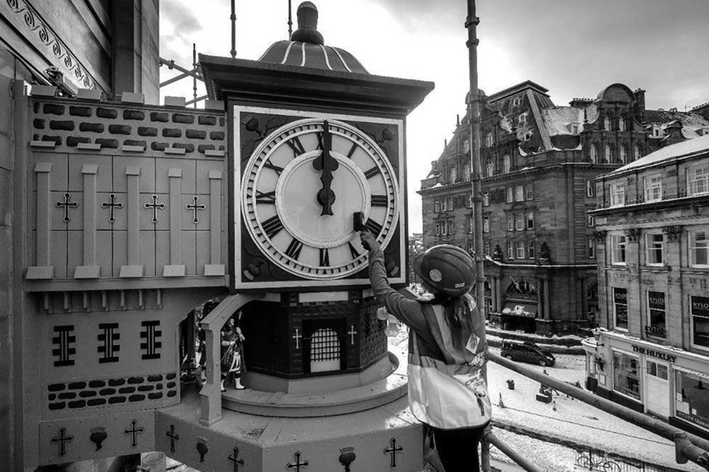 Iconic landmark clock restored | image