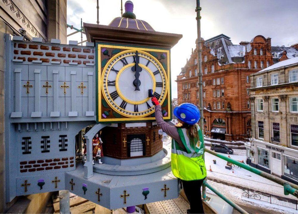 Iconic landmark clock restored | image
